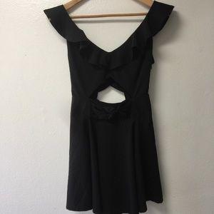 5 for $25🌻little black cutout dress